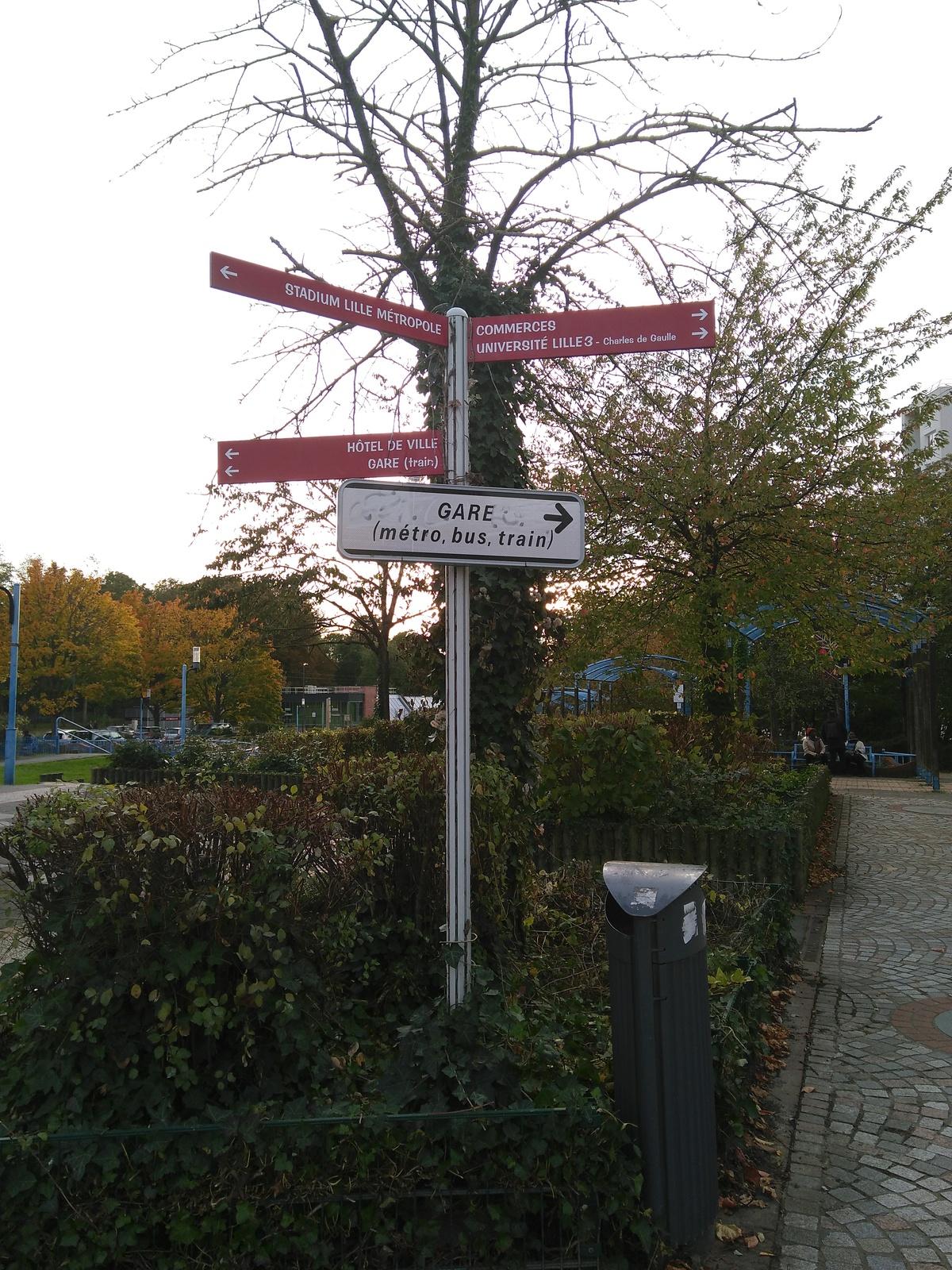 Signalétique piétons à Pont de Bois